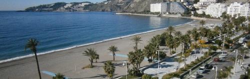 La zona azul en los paseos de Almuñécar y La Herradura solo se aplicará en julio y agosto y desaparece el mes de septiembre