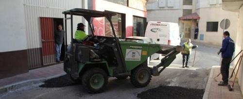 El Ayuntamiento de Almuñécar mejora algunas calles del Barrio San Sebastián