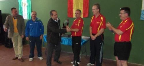 El CD Veteranos Tenis de Mesa de Almuñécar se proclama campeón del Torneo Vegas del Genil. El equipo almuñequero se presentó con dos equipos clasificándose como primeros y sextos respectivamente