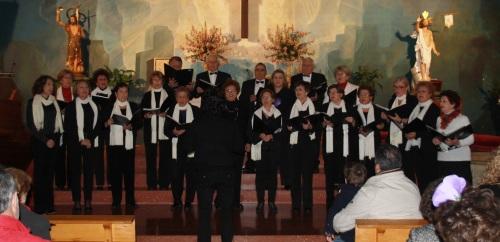 Los coros de La Herradura cantaron a la Navidad más solidaria
