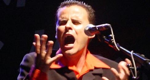 El cantaor flamenco Juan Pinilla presenta Las voces que no callaron 2
