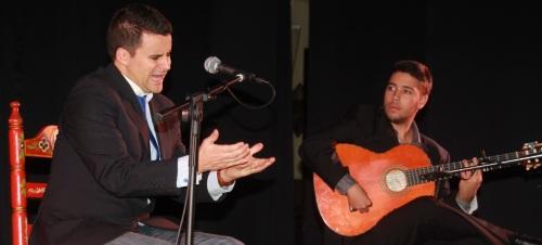 Juan Pinilla  puso  al público en pie en Almuñécar con un bello recital flamenco