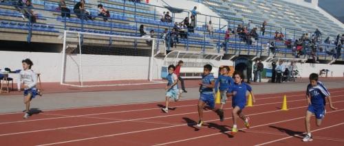 El municipio sexitano celebra los I Juegos Escolares de Atletismo