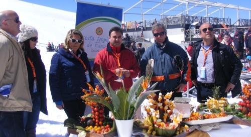 La nieve y la Costa Tropical se dan la mano en Sierra Nevada