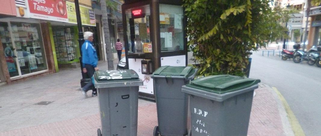 Almuñécar está llevando a cabo una campaña informativa sobre el horario de retirada de los contenedores