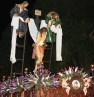 Cofradía del Descendimiento y Santa María del Alba.
