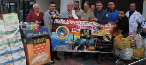 La Peña Madridista La Najarra dona a Cáritas casi mil kilos de alimentos