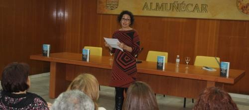 """María Cabrillana de Rivas presentó su nuevo libro """"Esquirlas de un Espejismo"""""""