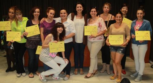 Catorce jovenes participaron en un curso de Manicura y Pedicura
