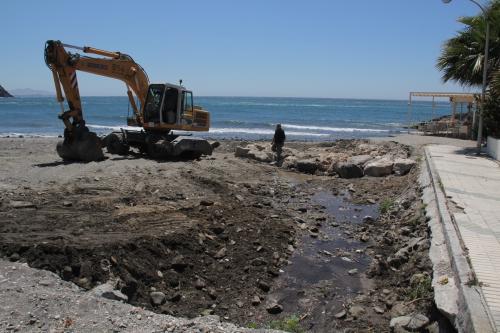 El Ayuntamiento de Almuñécar rehabilita la desembocadura de la Rambla Caballero 2