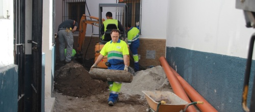 El Ayuntamiento lleva a cabo la rehabilitación de un tramo de la calle Carmen Baja