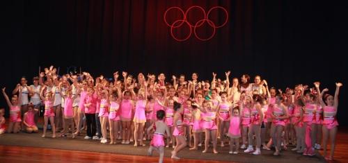 La Escuela de Gimnasia Rítmica de Almuñécar celebró con éxito su primera gala
