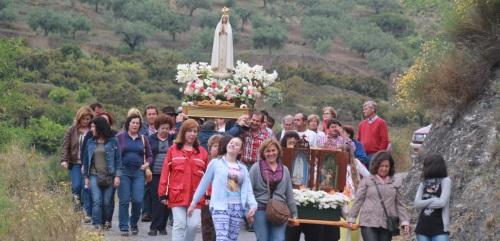 Los vecinos de El Cerval procesionaron a la Virgen de Fátima
