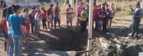 Alumnos del IES Puerta del Mar visitan la necrópolis de Puente de Noy