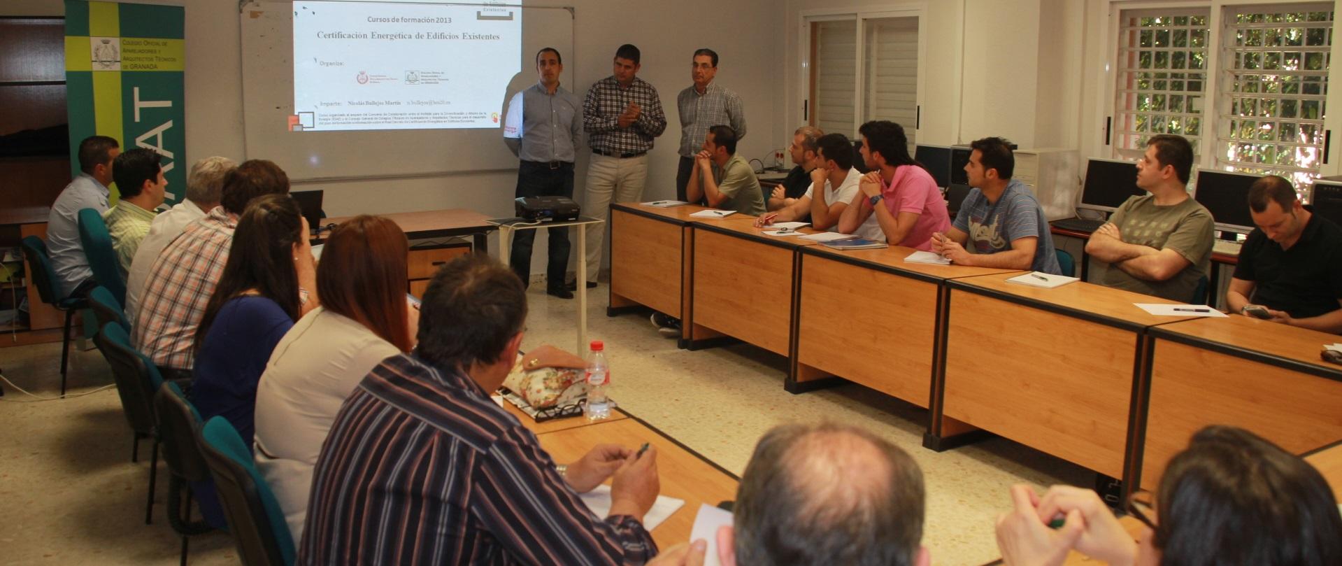 El Colegio Oficial de Aparejadores y Arquitectos Técnicos de Granada celebra en Almuñécar un curso sobre Certificación Energética de Edificios
