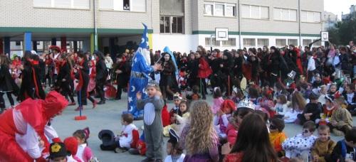 El colegio San Miguel de Almuñécar, Centro bilingüe de inglés, celebra su tradicional fiesta fin