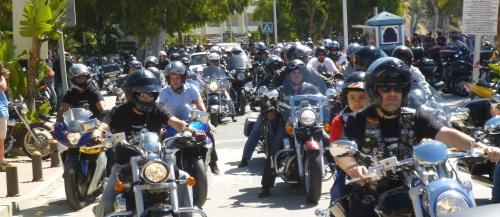 Más de un millar de moteros se concentraron en Almuñécar