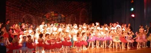 """La escuela profesional de danza """"Punta y Tacón"""" presenta en Almuñécar """"El taller de juguetes"""""""