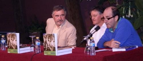 Vivir entre tinieblas de Francisco Ruíz Esteban se presentó en Almuñécar