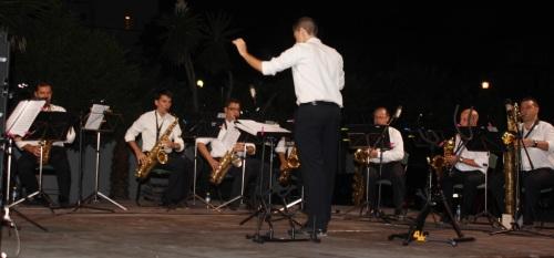 La Ensemble de Saxofones Alcazaba de Málaga dedicó el concierto de La Herradura a las víctimas del accidente de tren en Galicia