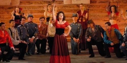 La ópera Carmen se presenta esta noche en  Almuñécar