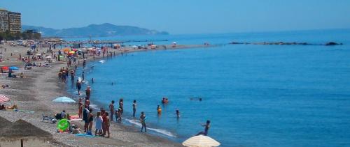 Playa de Puerta del Mar, en Almuñécar