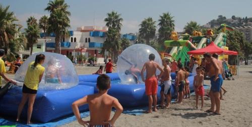 La diversión acuática destaca en las fiestas de Almuñécar