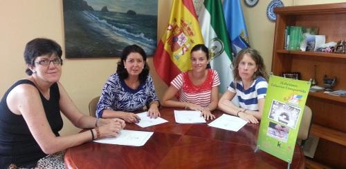 """Reinoso agradece la labor realizada por AFAVIDA tras declaración de Almuñécar como """"ciudad solidaria con el Alzheimer"""""""