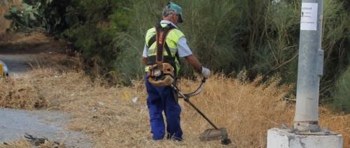 Se intensifica la campaña de limpieza y desbroce de caminos públicos
