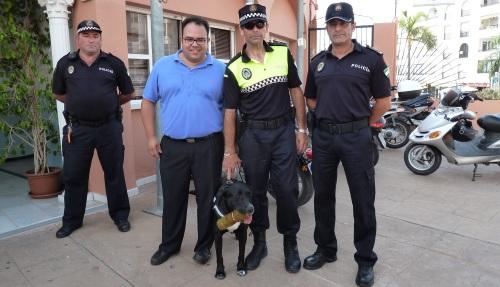 La Policía Local de Almuñécar cuenta ya con una unidad canina para luchar contra el menudeo de drogas y búsqueda de personas
