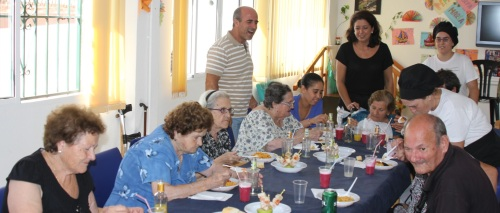 """Almuerzo a los mayores ofrecido por el Taller de Empleo """"Cazuela Mohína"""""""