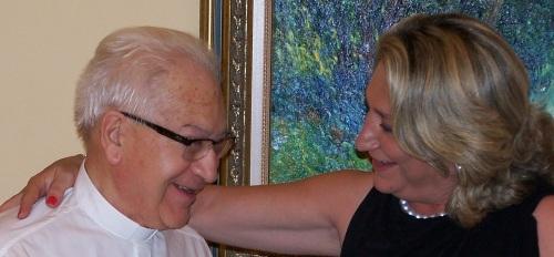 Don Eugenio, tras 30 años de servicio, es homenajeado por su feligreses
