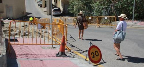El Ayuntamiento mejora el acceso peatonal a la playa desde el P4