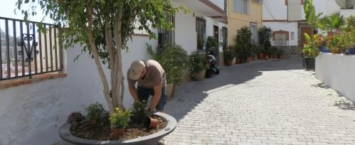 El Ayuntamiento sexitano recupera algunos rincones pintorescos en el barrio de San Miguel