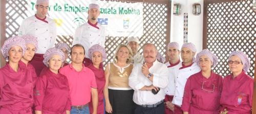 El Taller de Empleo de Cocina Cazuela Mohína de Almuñécar recibió la visita del conocido gastrónomo granadino Pablo Amate