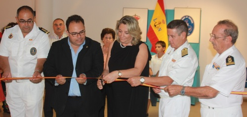 Trinidad Herrera inaugura la exposición marítima del Centro Cívico de La Herradura