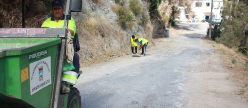 El Ayuntamiento mejora la carretera de acceso al puente de Cotobro