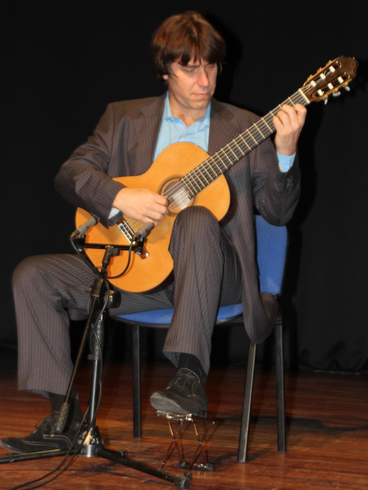 El guitarrista Joaquín Clerch ofreció un bello concierto en la Casa de la Cultura de Almuñécar
