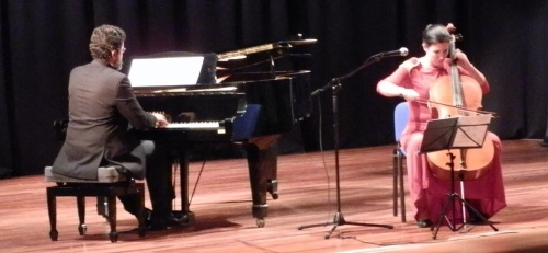 El Principito fue el protagonista del concierto ofrecido por Alberto y Beatriz González en Almuñécar
