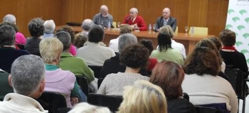 Antonio Carvajal ofreció un interesante recital poético en Almuñécar