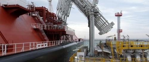 El Puerto de Motril refuerza la instalación de descarga de buques-tanque