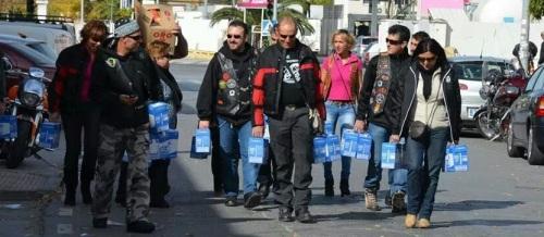Los miembros del Moto Club Tiburones de Almuñécar también son solidarios