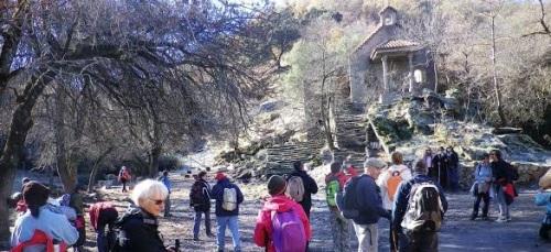 Medio centenar de senderistas sexitanos recorrieron la Dehesa de Camarate