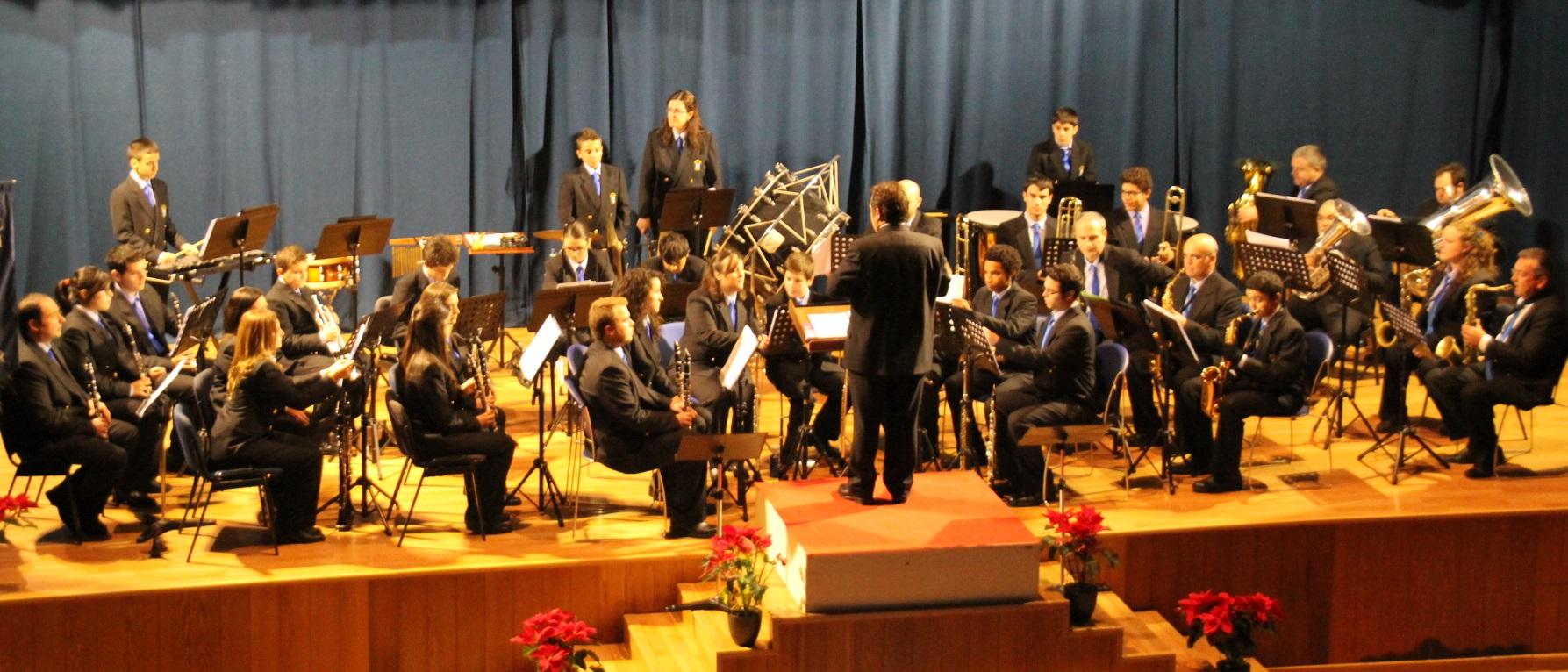 BANDA MUNICIPAL DE MUSICA DE ALMUÑECAR OFRECIO CONCIERTO AÑO NUEVO EN LA HERRADURA 2