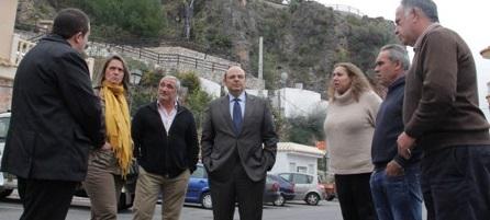 Sebastián Pérez reafirma en Lentegí el compromiso de la Diputación con los municipios más pequeños de Granada