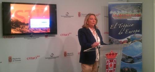Trinidad Herrera, alcaldesa de Almuñécar, en la promoción del municipio sexitano en Fitur 2013