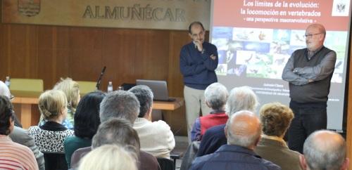 Antonio G. Checa González ofreció una Interesante conferencia en Almuñécar
