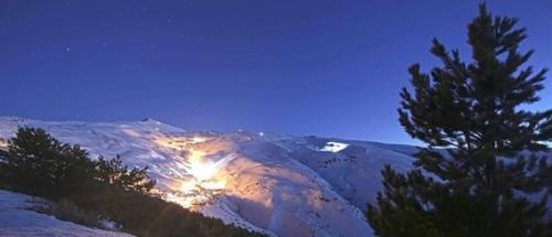 Sierra Nevada amplía el esquí nocturno a los jueves