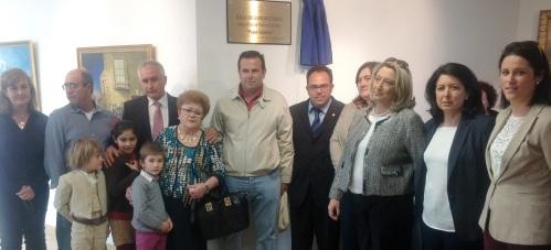 AUTORIDADES Y FAMILIA DE PEPE GAMEZ TRAS DESCUBRIR LA PLACA 14 2