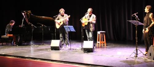 Bello recital poético musical el que acogió la Casa de la Cultura de Almuñécar